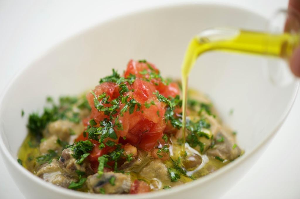 ful in tahini sauce (فول بالطحينة)