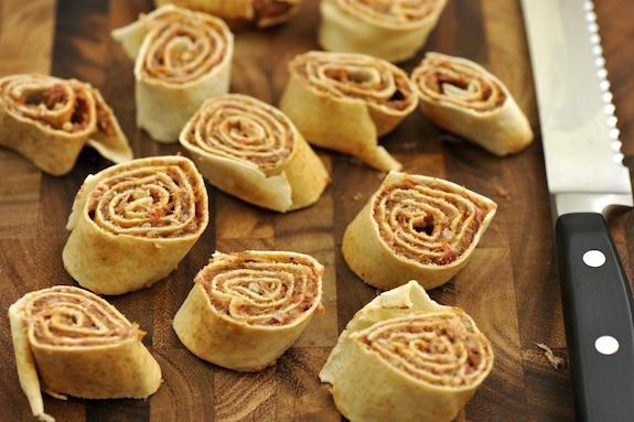 cutting sujuk rolls